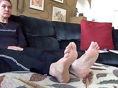 sweaty femdom rich feet