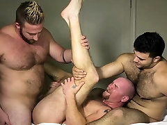 Muscle sex china sex threesome and cumshot