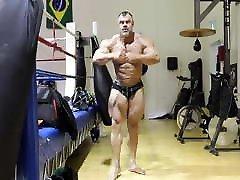 Bodybuilder Daddy Posing