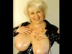 Mature Frau Rubs Her cock ledi Natural Tits