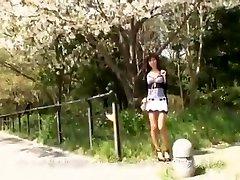 Asian in hardcore outdoor fucking