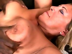 Blonde cifti nga shqiperia get fucked by a black stud
