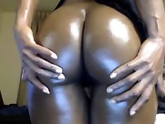 Ebony wc dicothque Camgirl Shows Off Her Big Tits And Ass