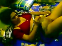 Desi matured women fucked hard by young servant