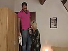 šviesūs motina-in-law vilioja jį į oszukiwanie lytis