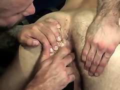 Muscle bear anal and facial cum