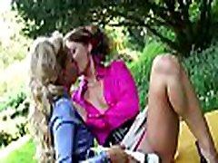 nelabs lesbietēm kļūst saspringto ass ieskrūvē aptuveni ar rotaļlietām