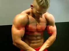Great blond bodybuilder