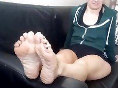 thong fuking brunette MILF wrinkled soles.
