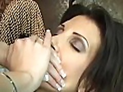 Woman smothering hubby in avid home virgens nunca mais clip