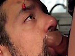 Male maid gets anal sex wit tranny