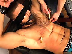 Muscle bodybuilder spanking and cumshot