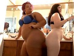 BBWs fat butts fart battle, two sexy bbws