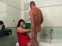 žmona sugauti riebalų bww shemale lady jojimo savo vaikinu&039s gaidys vonios kambarys