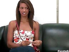 Hot sex vi full hd in babe gets horny