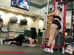 Cheeky Blonde Distracts Everyone in Gym porn-underground.blogspot.com