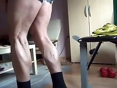 Cute Hairy drinking piss of girls Bear with vascular muscle!