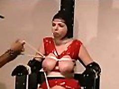 alasti naine näitab välja täielik rindade pärisorjus x filmi stseen