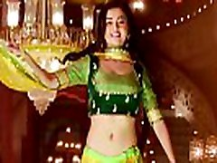 Indian serial actress Tejaswi Prakash showing creamy navel
