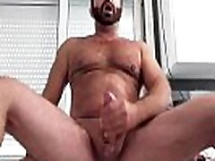 SOLO MAN GAY HAIRY MUSCLE