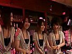 engsub anna kirishima, haruka sasano, hinata hyuga un kana suzuki ir seksīgs viesmīles, pilnā hd1080 pie http:megaurl.linko1izbjm