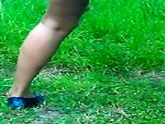 Asian vido porono pissing outdoor