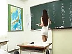 Clip 24 : Student and indonesian tante sama bocah - Japan - Link full : http:zo.ee6Bm5c