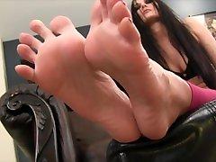 Cum adsn leeed Feet