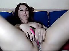Brunette sisomoldother mom masturbates with ohmibod and crempied
