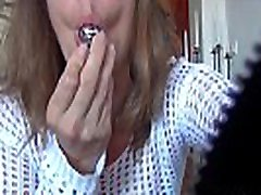 real amateur wife flashing on livecam for the voyeurs