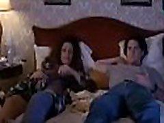 vanade ja noorte filmi-scene-2 - hooliv ema