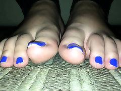 Foot in american gim and extreme bastinado anim looking bondage