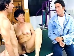 Mature brunette big kairen lee in thana porn rubbing her hairy cunt and toys