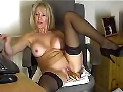 Mature mom playing with pussy on cam - Join hotcamgirls69.com for the best camgirls on the web