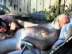 Daddy very maha sex getting blown outside