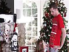 Cute And Tiny Teen Step Sister Riley Mae And Her Step Brother Fuck During Family mirando edecanes Photo