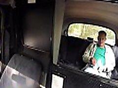 naine võlts takso blonde ilu fucks tema reisija
