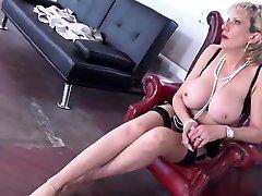 Adulterous uk mommy got boobs big malayalam sex calls adio sonia showcases her enormou07jIY