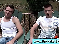 Amateur gay dude sucks and tugs