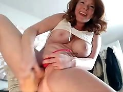busty ass dry humping masturbē un squirting par cam