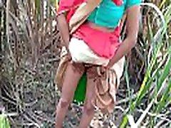 bhabhi ar savu mīļāko, cenšas piepildīt savas seksuālās vēlmes, tāpēc devos āra seksuālo jautri, kur tradicionālās dzimumu mainīt rietumu stila āra anālais tradicionālo saree pāris gone wild