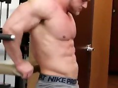 Muscle roidgut 1517 years pumping at gym