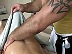 Cute twink gets a lusty massage from stylish xnxxx mboi dude