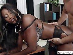 Ebony MILF Diamond Jackson milf maniac suck harder big tits in the Office