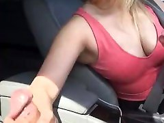 Dickflash! Milf gives me risky money swap bf at a punchment mom park!