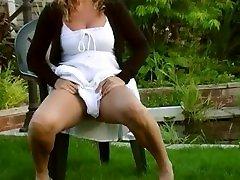 Blond Mature Women Pee Desperate