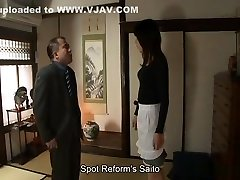 Sakura plays housewife who gives blowjobs and creampies