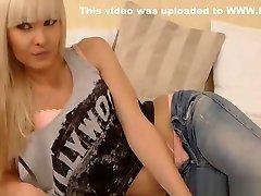विदेशी-पतला-चिकी है-छूत-उसे तंग-twat-हाय से webcam-privates.net