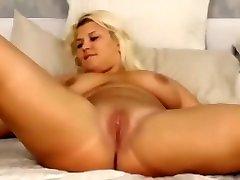 Hookup amateur seks di hospital masturbation in hotel room