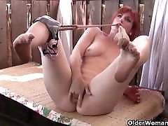 American sailon saxy full hd Heidi gives her pussy a workout